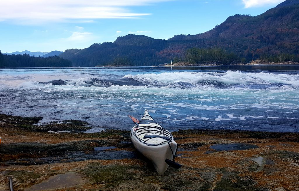 Skookumchuck, kurz Skook, zählt zu den größten Salzwasser-Stromschnellen der Welt.